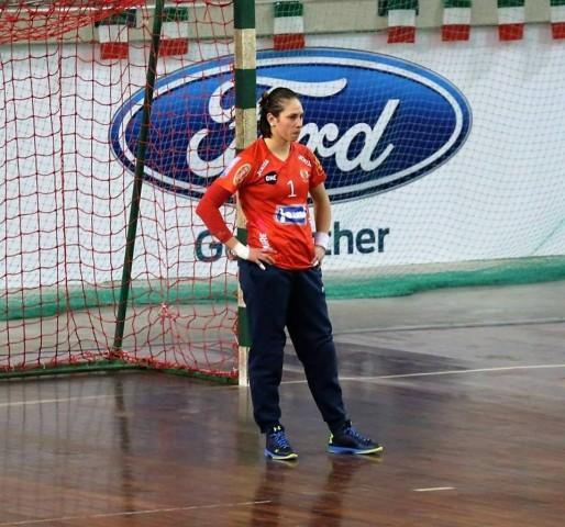 Jomi Salerno, Elisa Ferrari tra Challange Cup e campionato